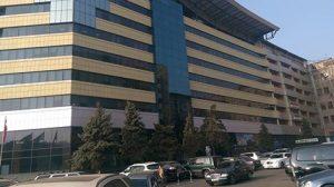 Неизвестный открыл стрельбу в бизнес-центре в Ереване