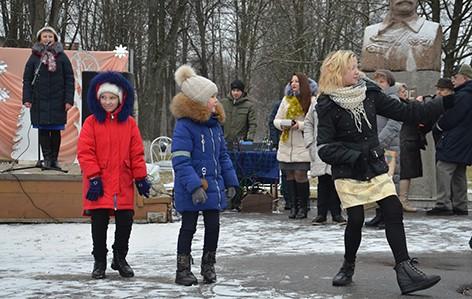 На площади Героев прошла концертная программа «С Рождеством!» (фото)