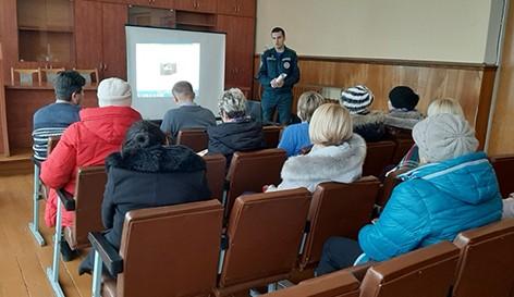 Работники Быховского РОЧС принимают активное участие в обучении членов территориальных смотровых комиссий