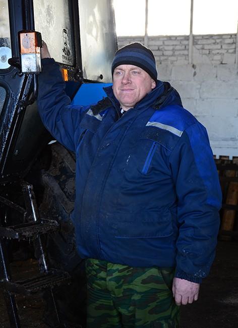 Дмитрий Денисенко - один из лучших механизаторов ОАО «Володарский»