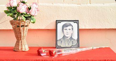 """В ГУО """"Средняя школа № 3 г. Быхова"""" открыли мемориальную доску памяти погибшему во время службы в Афганистане Николаю Москалькову"""