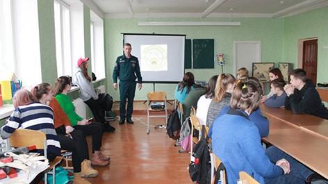 Спасатели Быховщины встретились с учениками ГУО «Средняя школа №3»
