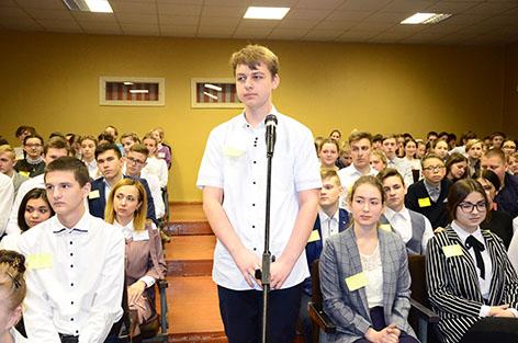 ГУО «Средняя школа №2 г. Быхова» посетил заместитель министра по чрезвычайным ситуациям РБ Игорь Болотов
