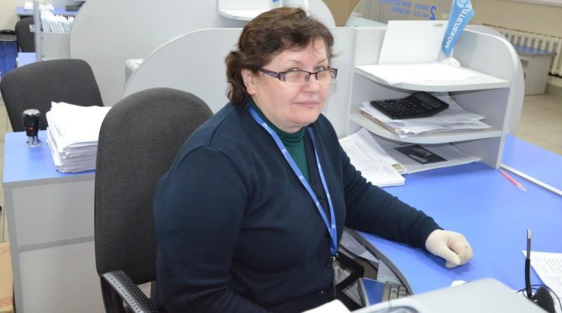 Еще в далеком 1984 году Елена Абрамчикова связала свою жизнь со сферой связи и коммуникаций