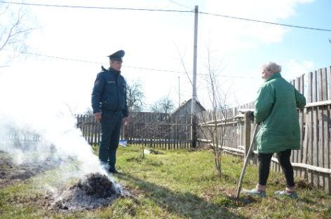 Сотрудники Быховского РОЧС активно работают на профилактику весенних палов