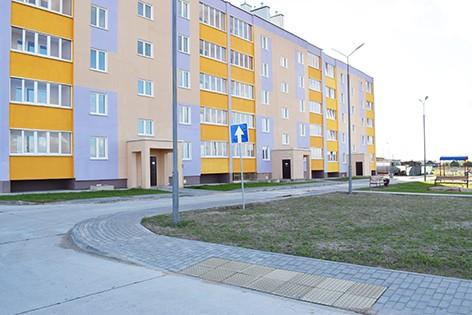 В Быхове счастливых новоселов принимает новый 60-квартирный дом