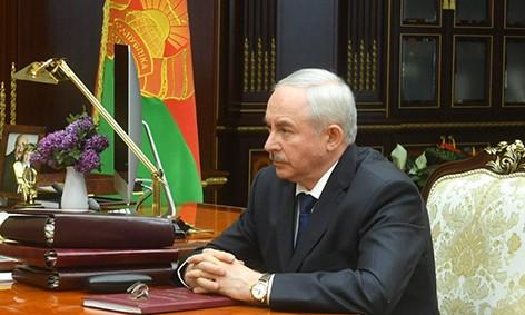 """""""Ни в коем случае нельзя потерять людей"""" - Лукашенко подчеркивает важность сохранения трудовых коллективов"""