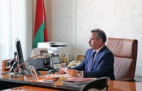 Важно оперативно решать вопросы населения: Виктор Ананич провел «прямую телефонную линию»