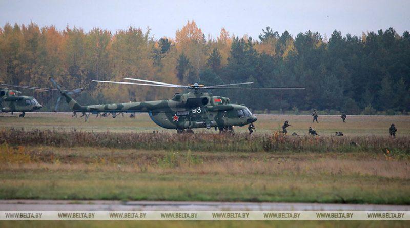 Лукашенко посещает бригаду спецназа внутренних войск в Уручье
