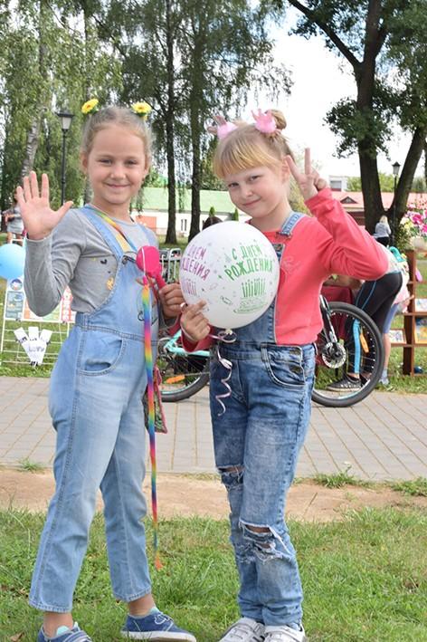 В парке 50 лет Победы прошел красочный веселый детский праздник (фотоотчет)
