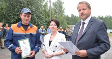 Передовые труженики СК «Дуброва» принимали слова благодарности за труд и поздравления