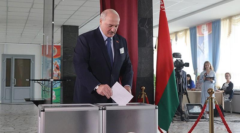 Лукашенко проголосовал на президентских выборах