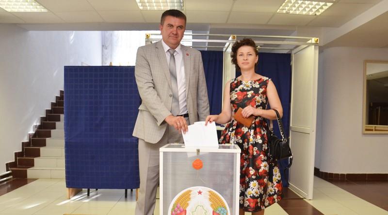 Глава Быховского райисполкома Дмитрий Мартинович принял участие в выборах Президента Республики Беларусь