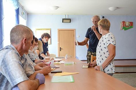 На Следюковском участке для голосования №28 свой голос отдали уже более 20 человек