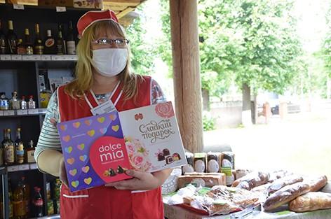 Приятным бонусом для избирателей Быховщины в день выборов Президента Республики Беларусь стала выездная торговля