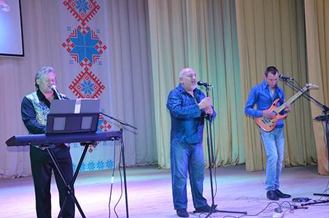 В Быхове выступил экс-солист знаменитого советского ВИА «Синяя птица» Александр Зверович