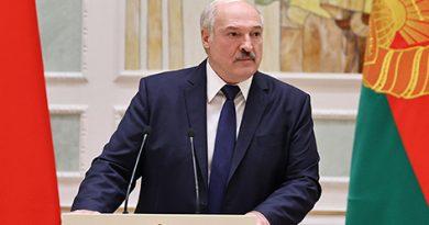 «Дальше — все. Нам отступать некуда, и мы отступать не собираемся» — Лукашенко предупредил участников беспорядков