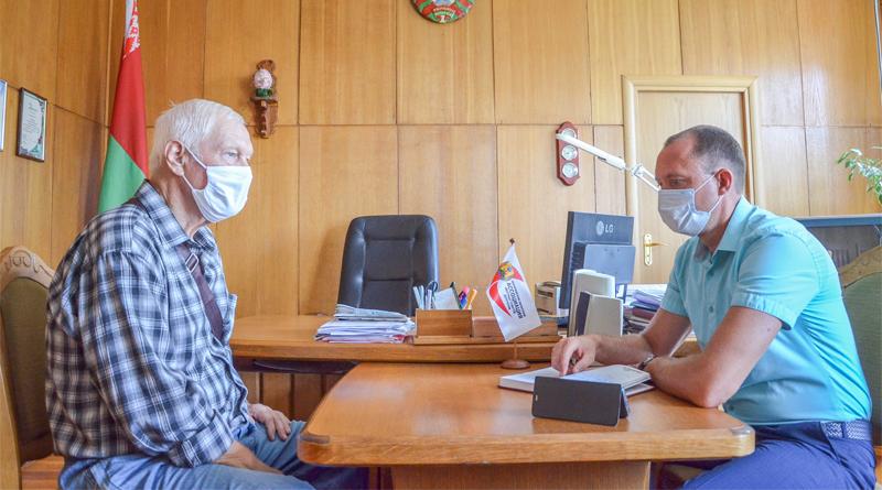 Депутат Палаты представителей Национального собрания РБ Сергей Сыранков провел прием граждан в Быхове (фотофакт)