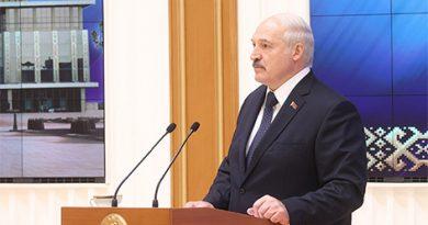 Лукашенко: на ответственных постах не место тем, кто выступал против политического курса страны